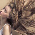 Femme avec des cheveux longs